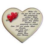 Spruch als Heiratsantrag auf einem Herzen